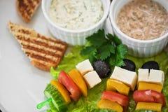 Φρυγανιά με τα λαχανικά τυριών και ελιά στο ραβδί Στοκ εικόνες με δικαίωμα ελεύθερης χρήσης