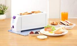 φρυγανιέρα μηχανών ψωμιού Στοκ Εικόνα