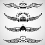 Φτερά με τα διανυσματικά εμβλήματα κορωνών καθορισμένα ελεύθερη απεικόνιση δικαιώματος