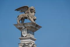 Φτερωτό ενετικό λιοντάρι στο ιστορικό κέντρο Udine Στοκ Φωτογραφία