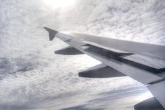 Φτερό ήλιων, ουρανού και αεροπλάνων στοκ φωτογραφία με δικαίωμα ελεύθερης χρήσης