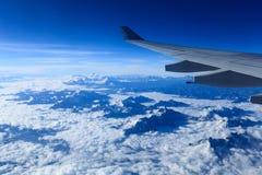 Φτερό αεροπλάνων και τα Ιμαλάια Στοκ εικόνες με δικαίωμα ελεύθερης χρήσης