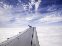 Φτερό αεροπλάνων ουρανού Στοκ Εικόνες