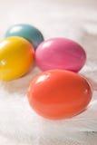 φτερό αυγών Πάσχας ανασκόπησης colorfull Στοκ Φωτογραφία