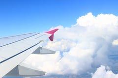Φτερό του αεροπλάνου στον αέρα Στοκ Φωτογραφίες