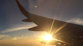 Φτερό Airplaine στον ουρανό απόθεμα βίντεο