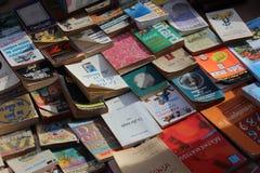 Φτηνά αλλά πλούσια βιβλία στοκ εικόνα