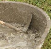 Φτυάρι και υγρό τσιμέντο Στοκ φωτογραφία με δικαίωμα ελεύθερης χρήσης