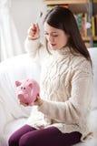 Φτωχοί λίγη piggy τράπεζα Στοκ εικόνες με δικαίωμα ελεύθερης χρήσης