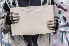Φτωχό άστεγο άτομο Στοκ εικόνες με δικαίωμα ελεύθερης χρήσης