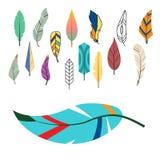 Φυλετικό επίπεδο φτερών διαφορετικό ύφους πουλιών εκλεκτής ποιότητας ζωηρόχρωμο εθνικό συρμένο χέρι καλάμι φύσης σχεδίων στοιχείω Στοκ εικόνα με δικαίωμα ελεύθερης χρήσης
