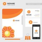 Φυλλάδιο επιχείρησης με το δημιουργικό διάνυσμα σχεδίου με το λογότυπο λουλουδιών Στοκ Εικόνες