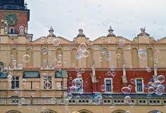 Φυσαλίδες σαπουνιών και αίθουσα υφασμάτων, Κρακοβία, Πολωνία Στοκ Φωτογραφία