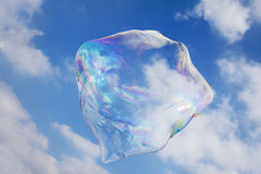 Φυσαλίδα σαπουνιών με τον ουρανό ως υπόβαθρο Στοκ Εικόνα