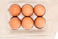 Φυσικά οργανικά αυγά κοτόπουλου, τοπ άποψη στοκ φωτογραφία