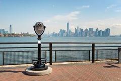 Φυσικές διόπτρες και άποψη της πόλης της Νέας Υόρκης Στοκ Φωτογραφίες
