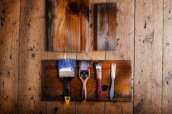 Φυσικές καφετιές ξύλινες σανίδες με το διάστημα αντιγράφων στην ξύλινη πλάτη πατωμάτων Στοκ εικόνα με δικαίωμα ελεύθερης χρήσης