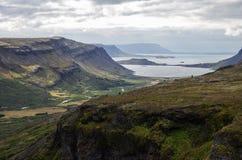 Φυσική άποψη θάλασσας από τον καταρράκτη Glymur Στοκ εικόνα με δικαίωμα ελεύθερης χρήσης