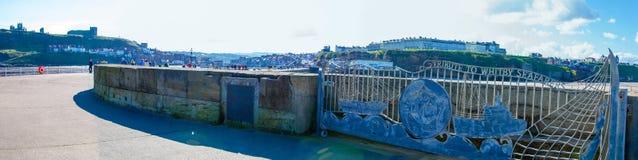 Φυσική άποψη της αποβάθρας Whitby στην ηλιόλουστη ημέρα φθινοπώρου Στοκ Φωτογραφία