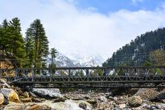 Φυσική άποψη της γέφυρας πέρα από τον ποταμό Kunhar σε Naran Kaghan, Πακιστάν Στοκ φωτογραφία με δικαίωμα ελεύθερης χρήσης