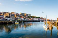 Φυσική άποψη της πόλης Whitby στην ηλιόλουστη ημέρα φθινοπώρου Στοκ φωτογραφίες με δικαίωμα ελεύθερης χρήσης