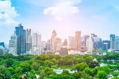 Φυσική άποψη του πάρκου Lumphini Lumpini και της πόλης της Μπανγκόκ στην Ταϊλάνδη άνωθεν Στοκ Εικόνα