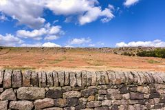 Φυσική άποψη του τοίχου πετρών στο Γιορκσάιρ στοκ φωτογραφίες