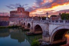 Φυσική άποψη του Castle του ST Angelo στη Ρώμη στην ανατολή Στοκ Εικόνα