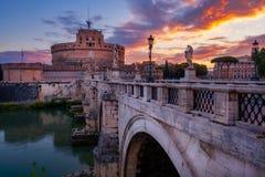 Φυσική άποψη του Castle του ST Angelo στη Ρώμη στην ανατολή Στοκ Εικόνες