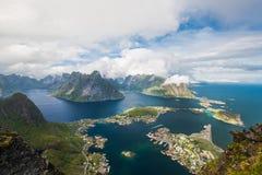 Φυσική άποψη των νησιών Lofoten στην ομίχλη, Νορβηγία Στοκ Φωτογραφίες
