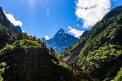 Φυσική άποψη Himalayanmountainrange στη βόρεια Ινδία στοκ φωτογραφία με δικαίωμα ελεύθερης χρήσης