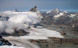 Φυσική αιχμή Matterhorn όπως βλέπει από τον παγετώνα Breithorn επάνω από Zermatt Στοκ Εικόνες