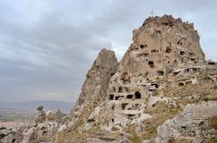 Φυσική ακρόπολη βράχου του φρουρίου σπηλιών Uchisar, Cappadocia, Τουρκία Στοκ εικόνες με δικαίωμα ελεύθερης χρήσης