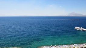Φυσική εναέρια άποψη Σορέντο, Ιταλία, κατά τη διάρκεια του καλοκαιριού απόθεμα βίντεο