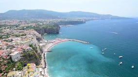 Φυσική εναέρια άποψη Σορέντο, Ιταλία, κατά τη διάρκεια του καλοκαιριού φιλμ μικρού μήκους