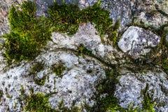 Φυσική επιφάνεια σύστασης σκληρής ροκ ή πετρών ως υπόβαθρο Στοκ φωτογραφία με δικαίωμα ελεύθερης χρήσης