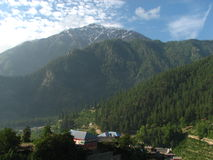 Φυσική κοιλάδα βουνών Στοκ φωτογραφία με δικαίωμα ελεύθερης χρήσης