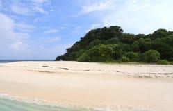 Φυσική πέτρινη αψίδα, νησί Khai, Satun, Ταϊλάνδη Στοκ Εικόνες