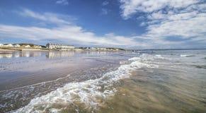 Φυσική παραλιακή πόλη στη μέση Ουαλία, UK στοκ εικόνες