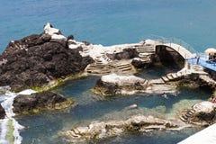 Φυσική πισίνα Μαδέρα Πορτογαλία, έννοια προσαρμογής Στοκ φωτογραφία με δικαίωμα ελεύθερης χρήσης