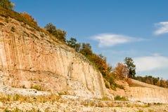 φυσικός απότομος απότομων βράχων Στοκ Φωτογραφίες