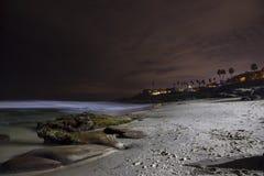 Φυσικός νότος άποψης τοπίων νύχτας παραλιών και Ειρηνικών Ωκεανών Windansea της Λα Χόγια Καλιφόρνια Στοκ φωτογραφία με δικαίωμα ελεύθερης χρήσης