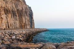Φυσικός παράκτιος δρόμος σε Musandam Governorate του Ομάν στοκ φωτογραφία