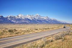 Φυσικός δρόμος στο μεγάλο εθνικό πάρκο Teton, Ουαϊόμινγκ, ΗΠΑ Στοκ φωτογραφίες με δικαίωμα ελεύθερης χρήσης