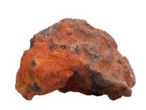 Φυσικό δείγμα του σιδηρούχου ψαμμίτη σιδηρομεταλλεύματος στο άσπρο υπόβαθρο στοκ εικόνες