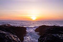 Φυσικό ηλιοβασίλεμα πέρα από το χάσμα Ειρηνικών Ωκεανών και του διαβόλου, Όρεγκον στοκ φωτογραφίες