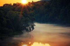 Φυσικό ηλιοβασίλεμα ποταμών Στοκ φωτογραφίες με δικαίωμα ελεύθερης χρήσης