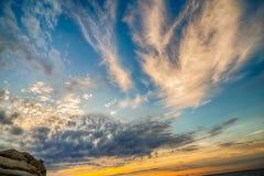 Φυσικό παράκτιο ηλιοβασίλεμα στο νησί της Έλβας στην Τοσκάνη Στοκ Εικόνα