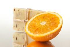 φυσικό πορτοκαλί σαπούνι Στοκ φωτογραφία με δικαίωμα ελεύθερης χρήσης