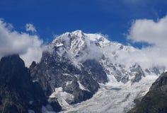 Φυσικό τοπίο βουνών στοκ εικόνες